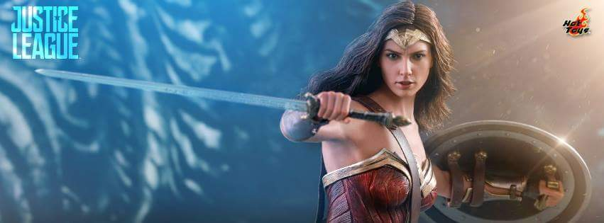 Hot Toys: Justice League Wonder Woman 1/6 Scale