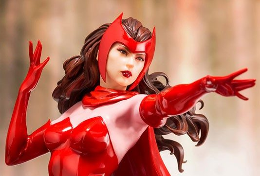"Kotobukiya: Scarlet Witch Artfx+ da ""Marvel Comic Universe"""