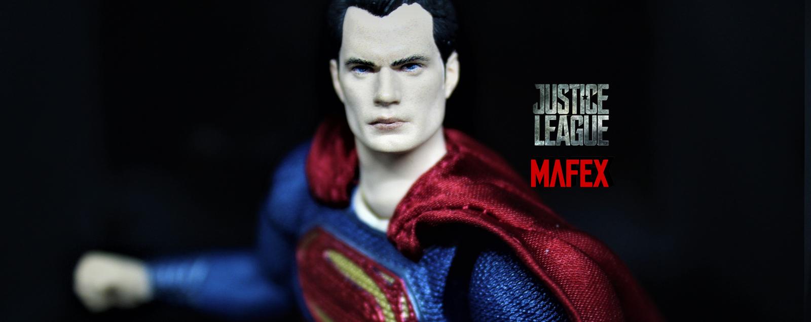 Recensione: Superman JL Mafex di Medicom Toy