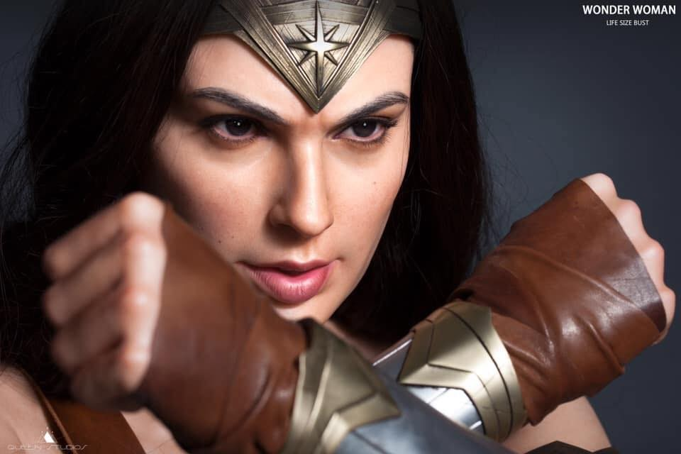Wonder Woman Bust dalla Queen Studios