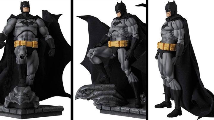 Batman Hush Black Ver. Mafex di Medicom Toy