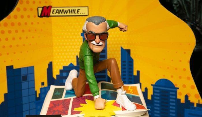 Sideshow in collaborazione con POW! Entertainment per creare oggetti da collezione Stan Lee